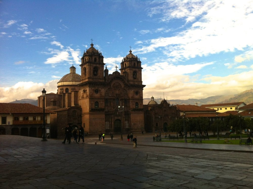 Cusco Plaza des Armas view from the cathedral stairs