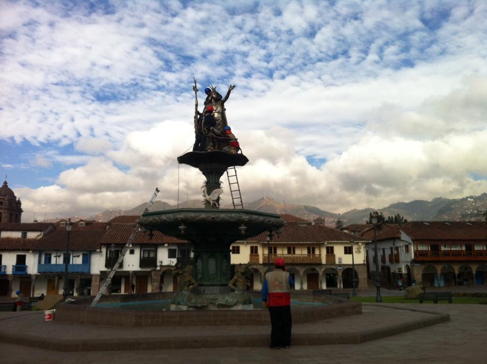 Pachacuti statue Cusco Plaza des Armas